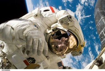 astronaut-11080__340