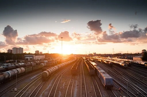 train-821500__340