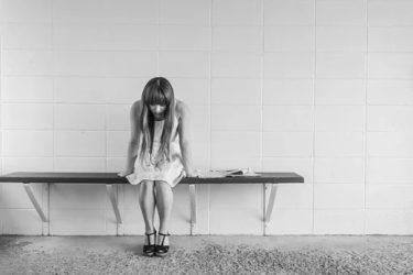 worried-girl-413690__340