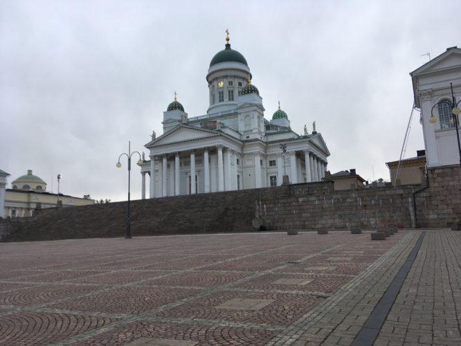 名前も知らず撮っていたヘルシンキ大聖堂