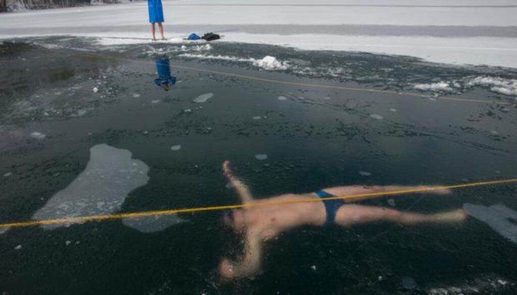 under-ice-swim-record1231156507 (1)