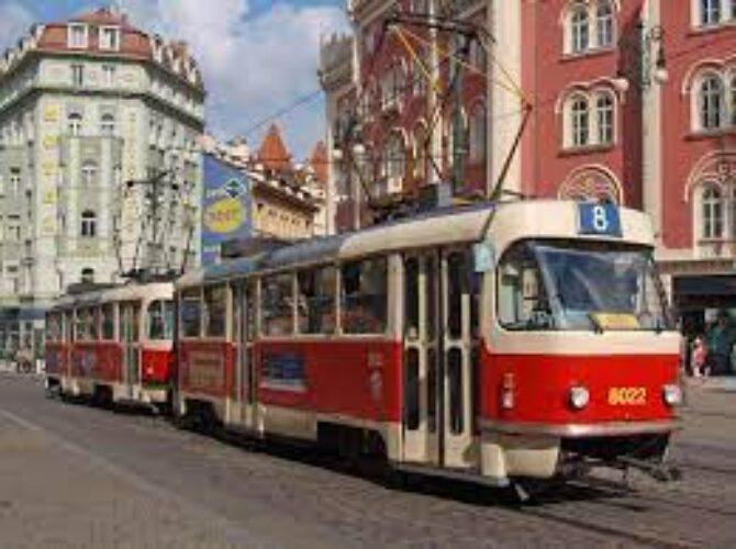 どんどんプラハの街中へ入っていきます!