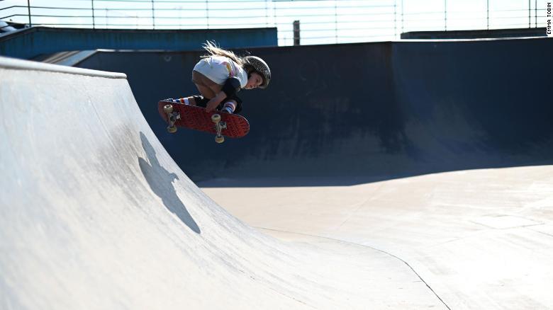 6歳少女スケートボードスター