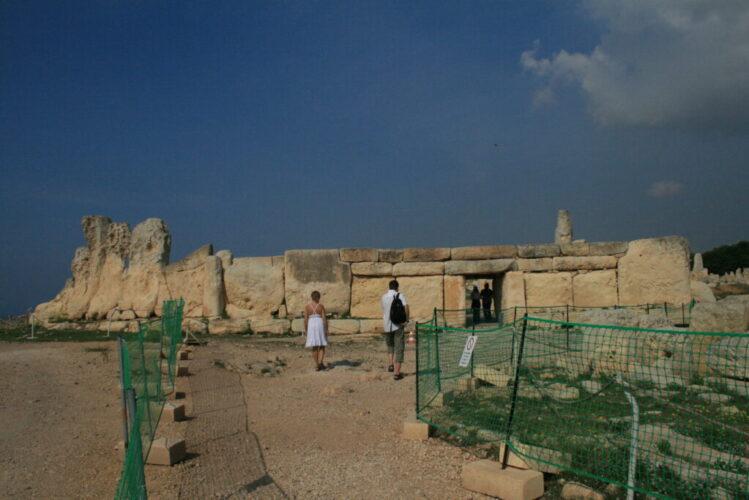 マルタ島では現在約30基以上の巨石神殿が確認されているそうです。
