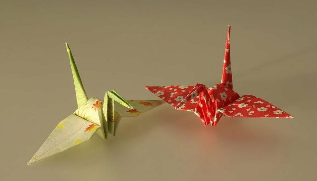 British-teen-folds-1000-origami-cranes-in-9-12-hours-for-Guinness-record